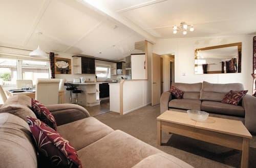 Last Minute Cottages - SM 3 Bedroom Gold Lodge