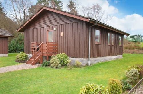 Last Minute Cottages - Captivating Hunters Quay Lodge S111633