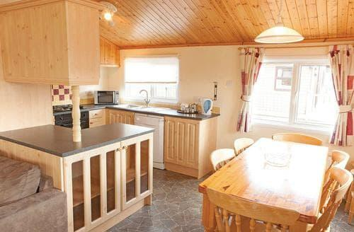 Last Minute Cottages - Gorgeous Hunstanton Lodge S111974