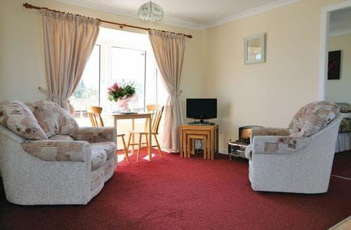 Last Minute Cottages - Lochy Apartment
