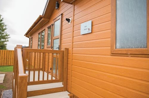 Last Minute Cottages - Red Robin