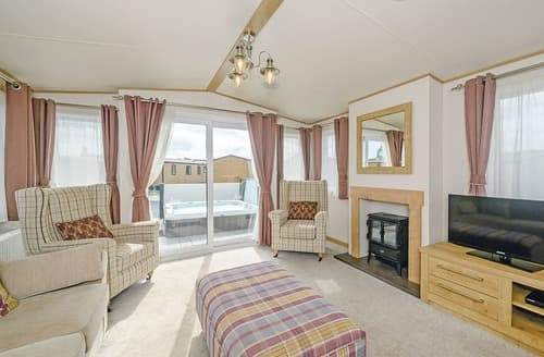 Last Minute Cottages - Cosy Sidmouth Lodge S106798