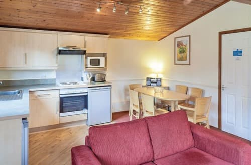 Last Minute Cottages - Ashdon Lodge