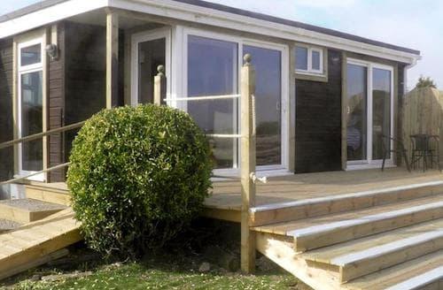 Last Minute Cottages - Charming Sandyhills Cottage S46000