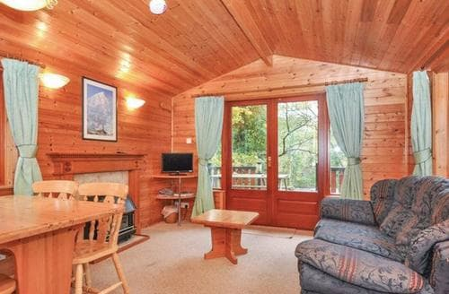 Last Minute Cottages - Inviting Bethesda Lodge S108463