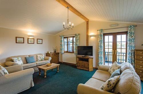 Last Minute Cottages - Splendid Darsham Lodge S108903