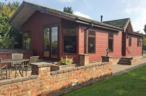 Last Minute Cottages - Elm Lodge