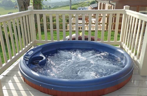 Pleasing Holiday Cottages With Hot Tubs In Looe To Rent Last Minute Download Free Architecture Designs Remcamadebymaigaardcom