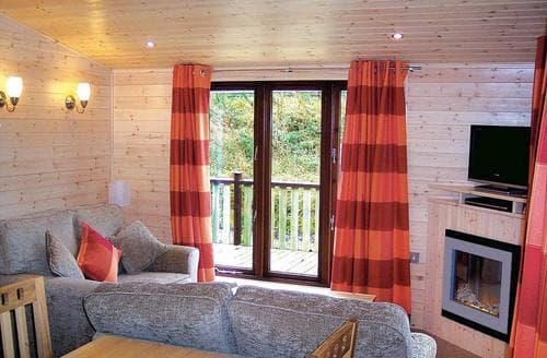 Last Minute Cottages - Larch Lodge