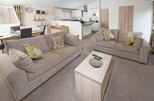 Last Minute Cottages - SI 2 Bed Platinum Lodge