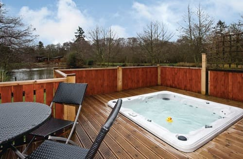 Last Minute Cottages - Superb Hopton Heath Lodge S112847