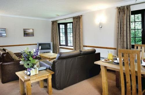 Last Minute Cottages - Two Bed Apartment