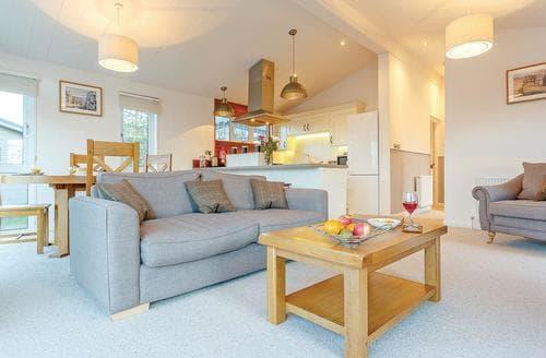 Last Minute Cottages - Wonderful Axminster Lodge S106381