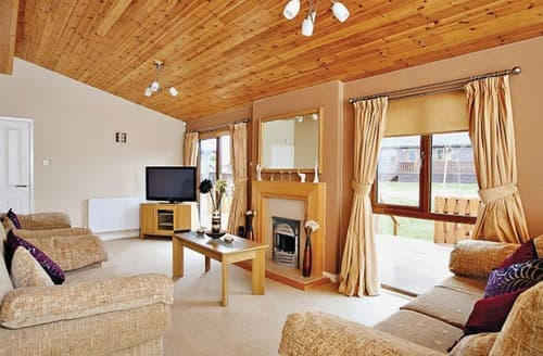 Last Minute Cottages - Charming Rock Lodge S112724