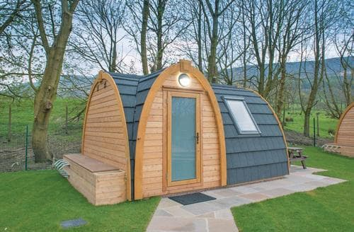 Last Minute Cottages - Dovestone Pod