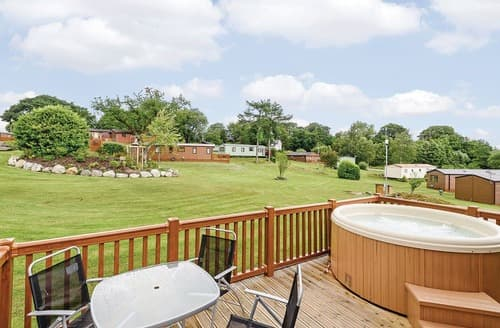 Last Minute Cottages - Lovely Bala Lodge S106618