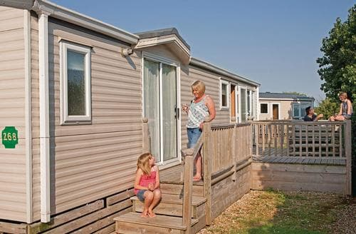 Last Minute Cottages - Lovely Hunstanton Lodge S108598