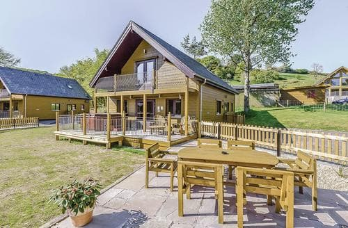 Last Minute Cottages - Luxury Knighton Lodge S110743