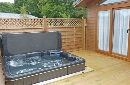 Last Minute Cottages - Colliery Lodge 3 Spa