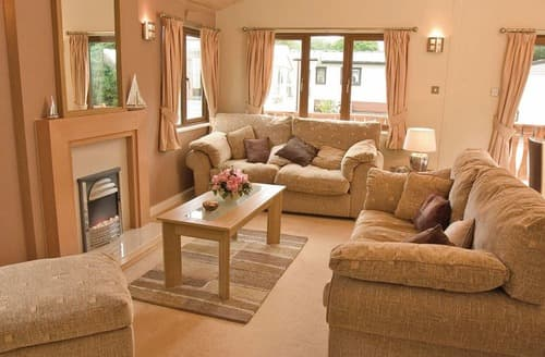 Last Minute Cottages - Lovely Rock Lodge S109892