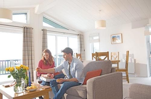 Last Minute Cottages - Gorgeous Axminster Lodge S106390