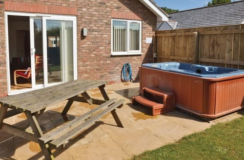 Last Minute Cottages - Attractive Bridlington Lodge S110413