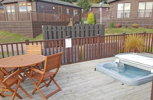 Last Minute Cottages - Foxes Run (Hot Tub)