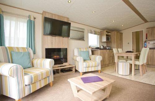 Last Minute Cottages - Gorgeous Newquay Lodge S112692