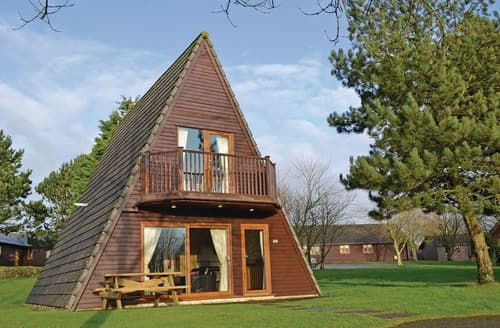 Last Minute Cottages - Waterside 1A