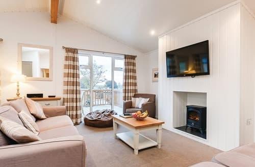 Last Minute Cottages - Glastonbury Lodge
