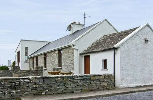 Last Minute Cottages - Inviting  Cottage S5127