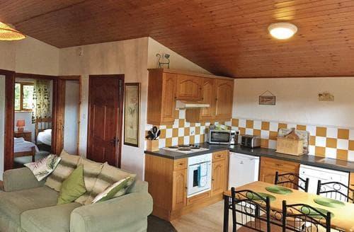 Last Minute Cottages - Tulip Tree Lodge