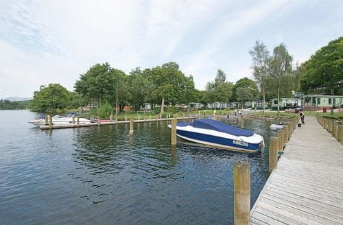 Last Minute Cottages - Inviting Bowness On Windermere Lodge S106919