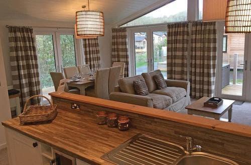 Last Minute Cottages - Cedar Lodge 9