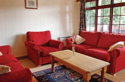 Last Minute Cottages - Delightful Bridge Of Earn Lodge S106330