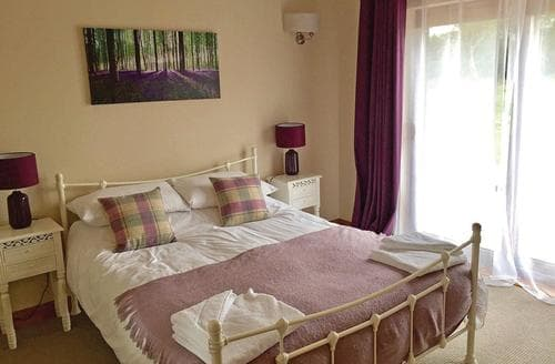 Last Minute Cottages - Attractive Ramsey Lodge S106262