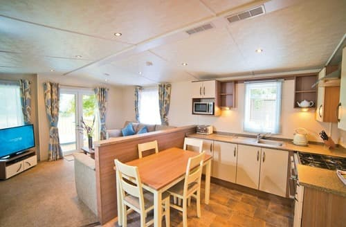 Last Minute Cottages - Larkwood Lodge