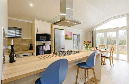 Last Minute Cottages - Captivating Holton Heath Lodge S120782