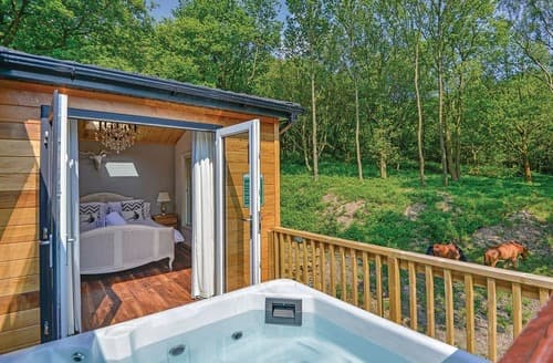 Last Minute Cottages - Inviting Glossop Lodge S107211