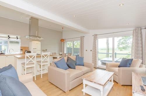 Last Minute Cottages - Wonderful Aysgarth Lodge S108970