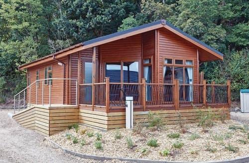 Last Minute Cottages - Retreat Spa 1