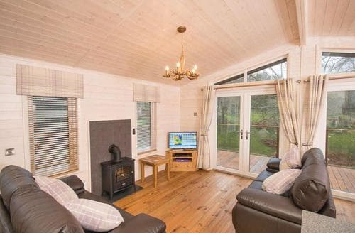 Last Minute Cottages - Fawn View Lodge