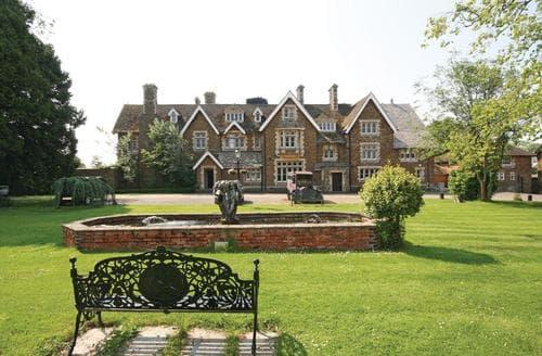 Last Minute Cottages - Charming Oakham  Lodge S108301