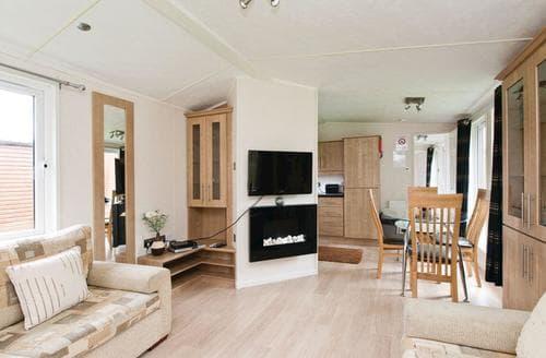 Last Minute Cottages - Tasteful Overseal Lodge S110139
