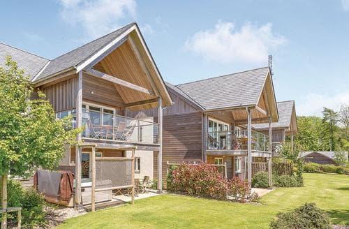 Last Minute Cottages - Poldon Lodge