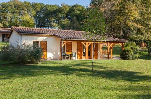 Last Minute Cottages - Village de Montmarsis