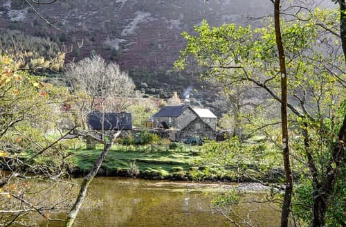 Last Minute Cottages - Gorgeous Llanfachreth Cottage S163737