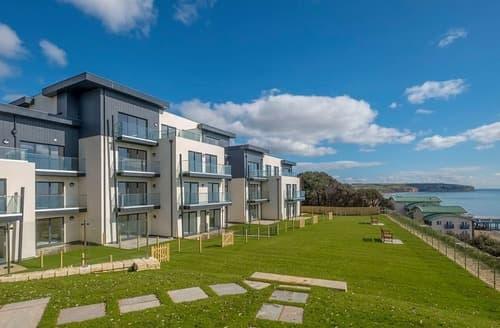 Last Minute Cottages - Apartment 10, Royal Cliff