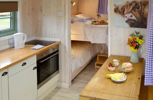 Last Minute Cottages - Hut 2-UK11304
