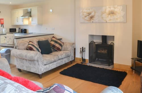 Last Minute Cottages - Splendid Hangingshaw Cottage S164577